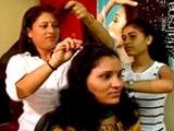 Video : लॉरियल वूमन ऑफ वर्थ : महिलाओं को ब्यूटी ट्रेनिंग