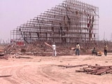Video : श्री श्री के कार्यक्रम के एक महीने बाद भी यमुना किनारे से नहीं हटा पूरा मलबा