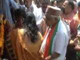 Video : Madhya Pradesh Minister's 'Pat' On Woman's Back Becomes Controversial