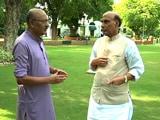 Video : गृह मंत्री को कम बोलना चाहिए : 'चलते-चलते' में बोले राजनाथ सिंह