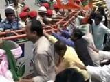 Video : बिहार में एनडीए नेताओं का आक्रोश मार्च, पुलिस ने किया वाटर कैनन का इस्तेमाल