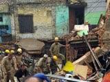 Video: इंडिया 7 बजे : दिल्ली के करोलबाग में गिरी इमारत, तीन लोगों को निकाला गया सुरक्षित