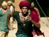 Videos : फिल्म रिव्यू : 'मोहेंजो-दारो' की कहानी में नयापन नहीं, गाने- कॉस्ट्यूम आकर्षक