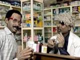 Video: गुस्ताखी माफ : FNSS के शिकार केजरीवाल पहुंचे रुस्तम दवावाला के पास