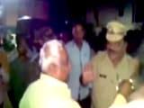 Video : महाराष्ट्र : बीजेपी विधायक रामचंद्र अवसरे ने पुलिसकर्मी को सरेआम थप्पड़ मारा