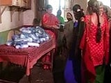 Video: This Couple In Surat Is Providing Hygiene Kits To Adolescent Girls