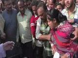 Video: इंडिया 7 बजे : नोट के लिए मारा-मारी