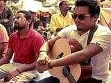 Video: Kabir Cafe: Singing Kabir On The Ghats Of Varanasi