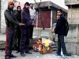 Video : कश्मीर घाटी में ज़बरदस्त ठंड, कई जगह पानी जम गया