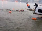 Video : Watch: Rescuers, Locals Dive In To Save People After Patna Boat Tragedy