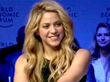 Video: Shakira, An Elvis Fan, Sings <i>Always On My Mind</i>