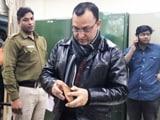 Video : दिल्ली के सफदरजंग अस्पताल से फर्जी डॉक्टर गिरफ्तार