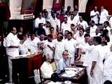 Videos : तमिलनाडु विधानसभा में डीएमके का हंगामा, स्पीकर का माइक तोड़ा
