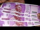 Video : दिल्ली के ATM से निकले 'चिल्ड्रन बैंक ऑफ़ इंडिया' लिखे 2 हजार के नकली नोट