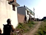 Videos : इंडिया 7 बजे : लखनऊ में घर में छिपे संदिग्ध आतंकी से पुलिस की मुठभेड़