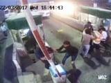Video : यूपी के फिरोजाबाद टोल नाके पर गुंडागर्दी की तस्वीरें CCTV में हुईं कैद