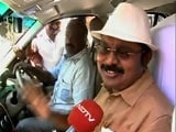 Video : TTV Dinakaran Wears New Poll Symbol, Says Hat Will Remind Voters Of MGR