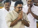 Video : In A Bag, Over 1 Crore In Rs. 2,000 Notes. TTV Dinakaran's Bribe, Say Cops