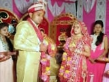 Videos : बुंदेलखंड : गर्लफ्रेंड ने शादी के मंडप से ब्वॉयफ्रेंड को रिवॉल्वर की नोंक पर किया किडनैप...