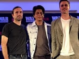 Video : Brad Pitt Learns From Shah Rukh Khan Just How Easy Dancing Is
