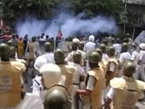 Video : Water Canons, Smoke Shells: Protest In Kolkata Turns Violent Again