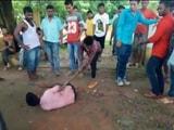 Video : असम में गोरक्षकों का उत्पात, गाय ले जा रहे लोगों को जमकर पीटा