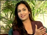 Video : Who Was Tougher To Direct Rajnikanth Or Dhanush? Soundarya Answers