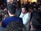 Video : Arjun Kapoor And Anil Kapoor Meet Fans At Gaiety Cinema