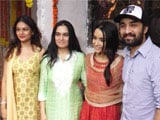 Video : Shraddha Kapoor Celebrates <i>Ganesh Chaturthi</i> With Her Family