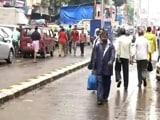 Video: इंडिया 8 बजे: भारी बारिश के बाद धीरे-धीरे पटरी पर लौट रही मुंबई की जिंदगी