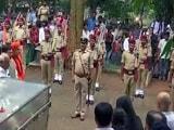 Video: Good Evening इंडिया: राजकीय सम्मान के साथ पत्रकार गौरी लंकेश को दी गई अंतिम विदाई