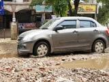 Video : यूपी की सड़कों का सच, तलाब बने सड़कों के गड्ढे