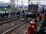 Video : मुंबई में लोकल ट्रेन की एक बोगी पटरी से उतरी