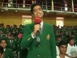Video: स्वच्छता पर शेरवुड स्कूल के छात्र की कविता सुनकर अमिताभ सहित सभी लोगों के रोंगेट खड़े हो गए