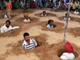 Video: बड़ी ख़बर: जयपुर में किसानों ने शुरू किया जमीन समाधि सत्याग्रह