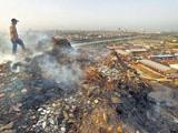 Video: कूड़े के पहाड़ों से ज़हरीली हो रही है दिल्ली की हवा