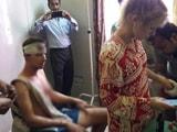 Videos : फतेहपुर सीकरी में स्विस सैलानियों के साथ मारपीट