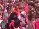 Video : At Yogi Adityanath's Rally, Cops Make Woman Remove Burqa