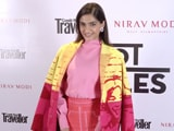 Video: Sonam Kapoor's Stunning Red Carpet Look