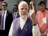 Video : गुजरात चुनाव:  पीएम मोदी ने लाइन में लगकर डाला वोट