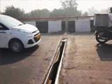 Video : Nearly A Foot-Long Gap On The Busy Lajpat Nagar Flyover In Delhi