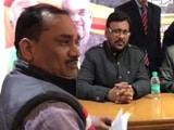Video : उत्तराखंड: नोटबंदी से परेशान ट्रांसपोर्टर जहर खाकर कृषि मंत्री के दफ्तर में  गिरा