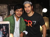 Video : Spotted! Varun Dhawan With His Fans Outside Soojit Sircar's Office