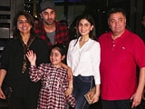 Video : Paparazzi Spots Ranbir Kapoor Dining With His Family