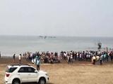 Video : महाराष्ट्र : बच्चों से भरी नाव समुद्र में पलटी, 2 की मौत