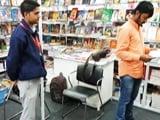Video : दिल्ली के पुस्तक मेले में संघ, लव जिहाद को लेकर भी किताब