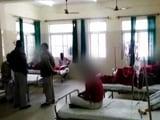 Video : यूपी में 21 लोगों को महंगा पड़ा झोलाछाप डॉक्टर का इलाज