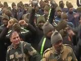 Video : जवानों पर चढ़ा होली का रंग