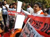 Video : महिला आरक्षण की मांग पर कांग्रेस कार्यकर्ताओं का विरोध-प्रदर्शन